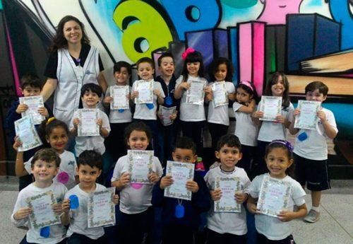 Alunos do Infantil II recebem certificados